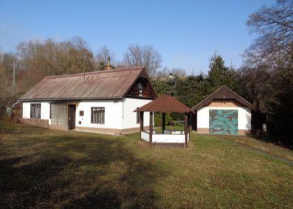 Slnečná 3i chalupa pri potoku v Moravskom Lieskovom, 848m2