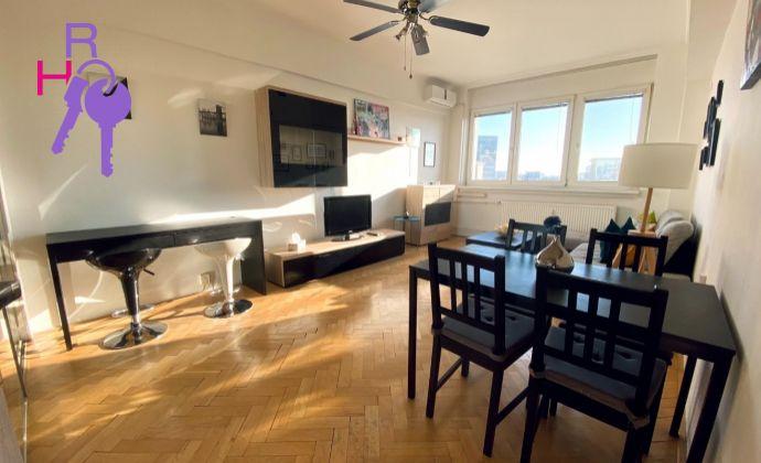 Ponúkame na prenájom 2 izbový zariadený byt v lokalite Staré Mesto