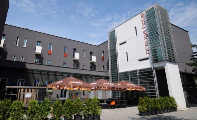 Ponúkame najvýhodnejšie  dlhodobé stabilné ubytovanie v hotelovom komplexe za cenu garsónky