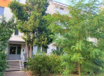 VÝBORNÁ PONUKA - Zariadený 3 izbový byt s lodžiou, Ružinov, ulica Bancíkovej