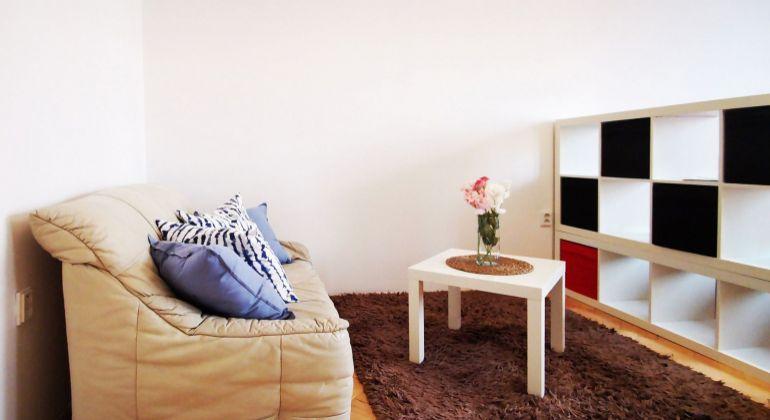 Pekný 1 izbový byt na Dulovom námestí, Bratislava II  VIDEOPREHLIADKA