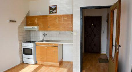 Ponúkame Vám na prenájom 1. izbový byt, Morovnianska cesta, Handlová
