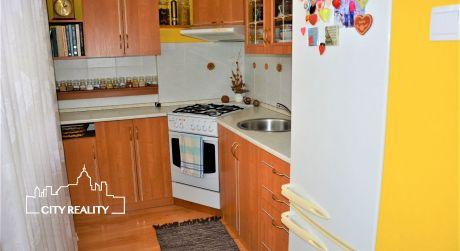 Exkluzívne Vám ponúkame na prenájom 2 izbový byt, 48 m2, ul. Prievidzská, Handlová