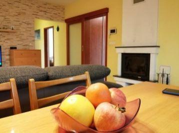Predaj rodinného domu, s prístreškom pre dve autá, drevený domček, bazén na 7,02á pozemku v Šamoríne
