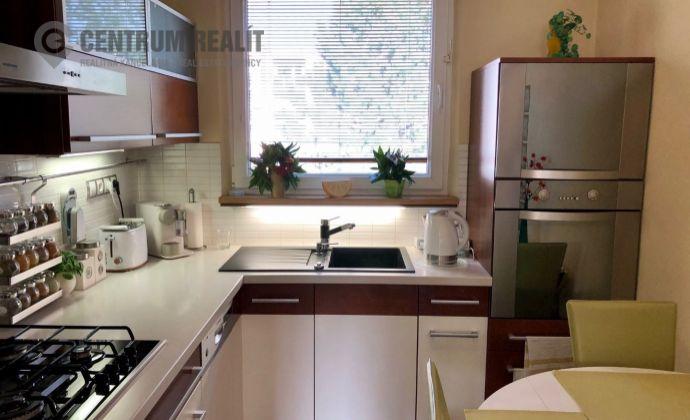 Predaj: 3 izbový svetlý byt s príjemným výhľadom, 70 m2 + loggia 4 m2, Fončorda