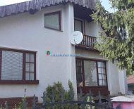 DIAMOND HOME s.r.o. Vám ponúka na predaj pekný 5 izbový rodinný dom v obci Šrobárová okres Komárno