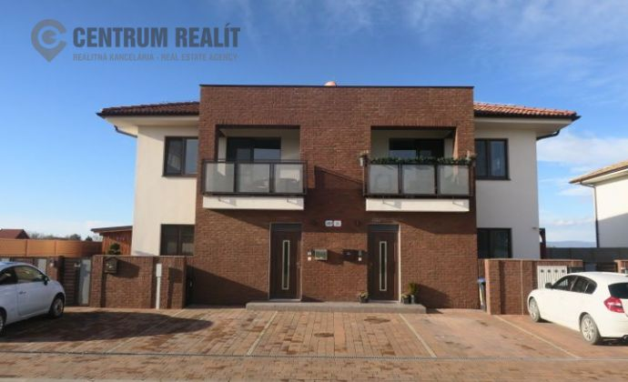 Moderný a kvalitný klimatizovaný 3-izbový byt (80,55 m2), loggia, 2x parkovanie, súkromné detské ihrisko, Dunajská Lužná