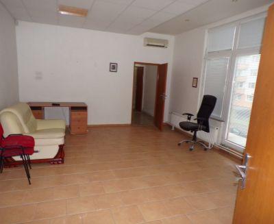 Na prenájom komerčný priestor 90 m2 Prievidza OD Rozvoj FM1040