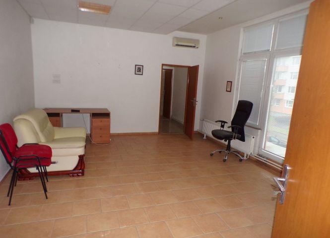 administratívna budova - Prievidza - Fotografia 1