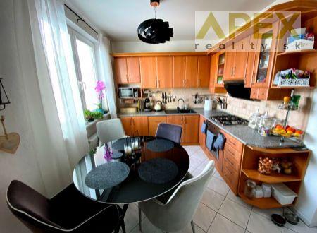 Exkluzívne APEX reality 3i. byt s balkónom po rekonštrukcii na Michalskej ulici, 68 m2