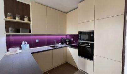 Krásny moderný kompletne zariadený 3-izbový byt, Holíč