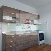 2 izbový byt, Levice, 70 m², Pôvodný stav