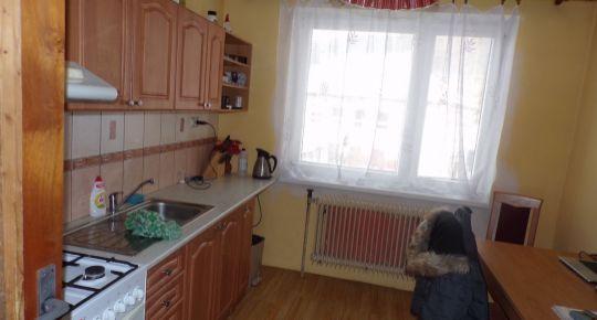 REZERVOVANÉ Na predaj rodinný dom 926 m2 Zliechov okres Ilava FM1043