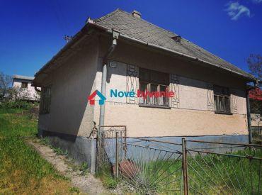 ZNÍŽENÁ CENA! Tvoja nová chalupa. EXKLUZÍVNE na predaj starý vidiecky dom v Radvani nad Laborcom (N129-12-MIM)