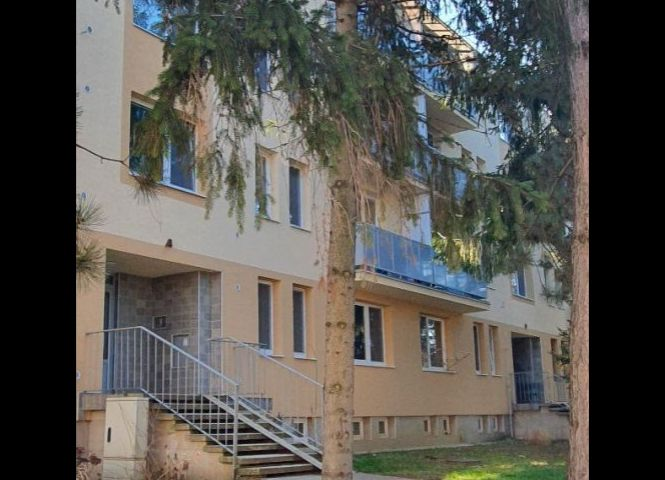 1 izbový byt - Hlohovec - Fotografia 1