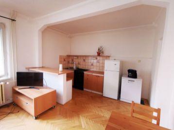 NA PRENÁJOM  -  Pekný, zariadený 1,5 izbový byt na Sklenárovej ul., Ružinov