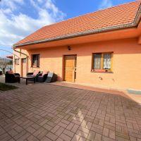 Rodinný dom, Pezinok, 200 m², Pôvodný stav