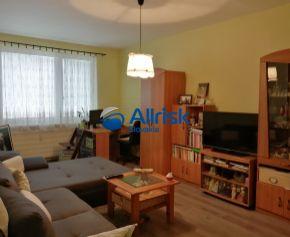 Veľkometrážny 3 izbového byt so šatníkom v Šali