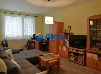 Veľký 3 izbový byt so šatníkom 84 m2 na predaj - pri rýchlom jednaní DOHODA O CENE možná