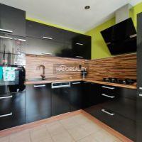 3 izbový byt, Galanta, 68 m², Čiastočná rekonštrukcia