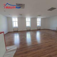 Kancelárie, Banská Bystrica, 67.13 m², Čiastočná rekonštrukcia