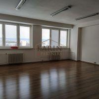 Kancelárie, Bratislava-Ružinov, 42 m², Čiastočná rekonštrukcia