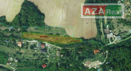 Rekreačný pozemok v Moravanoch nad Váhom je na predaj-pri jazera Striebornica-3543m2