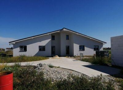 Veľký 6-izbový bungalov so samostatným pozemkom
