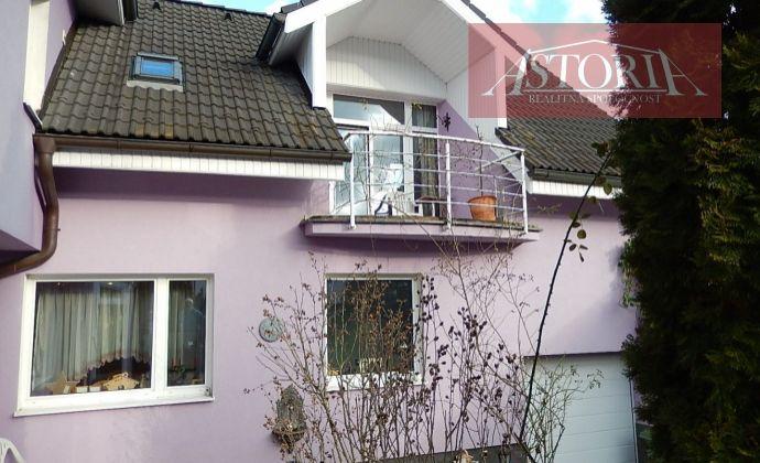 EXKLUZÍVNY Rodinný dom - Martin - Stráne s garážou