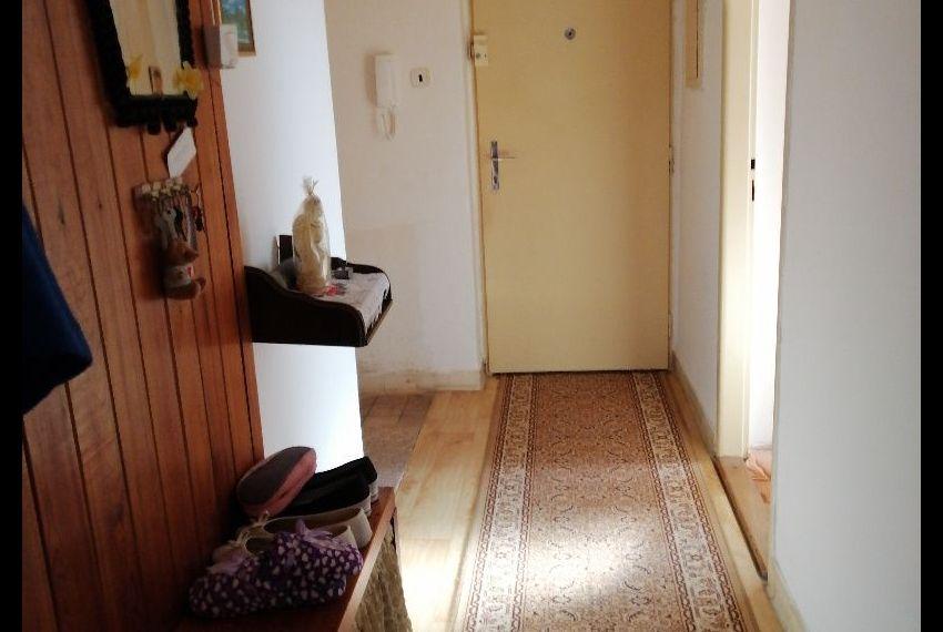 Predaj 2 izbový byt Želiezovce-5