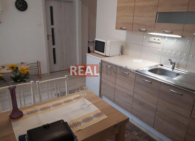 2 izbový byt - Nové Zámky - Fotografia 1