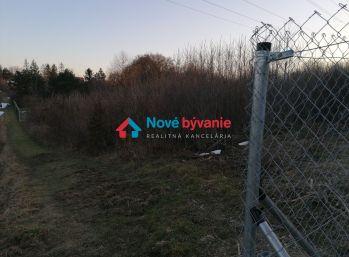 REZERVOVANÉ - N001-14-MAHO - Pozemok v záhradkárskej lokalite Vitalina 858 m2 / Košice - Kavečany /