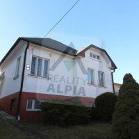 Rodinný dom, Závažná Poruba, 1087 m², Čiastočná rekonštrukcia