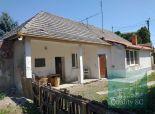 Okr. Šaľa  – NA PREDAJ  3 zbový rodinný dom – chalupa s garážou v rekonštrukcii v obci TEŠEDÍKOVO
