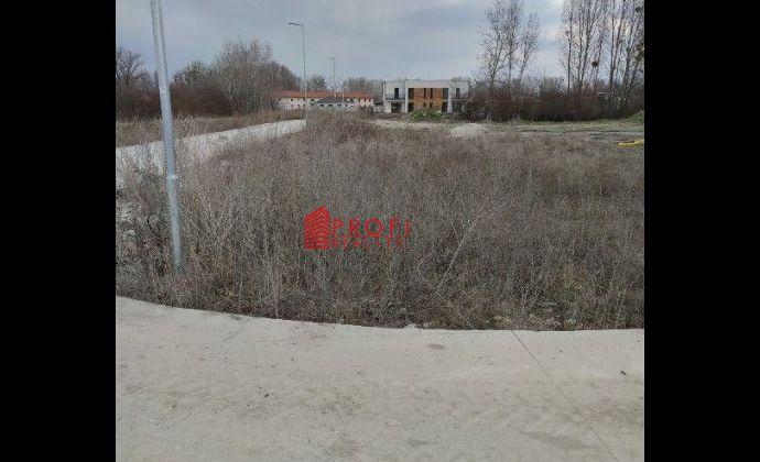 Pozemok v novej časti obce Dunajský Klátov