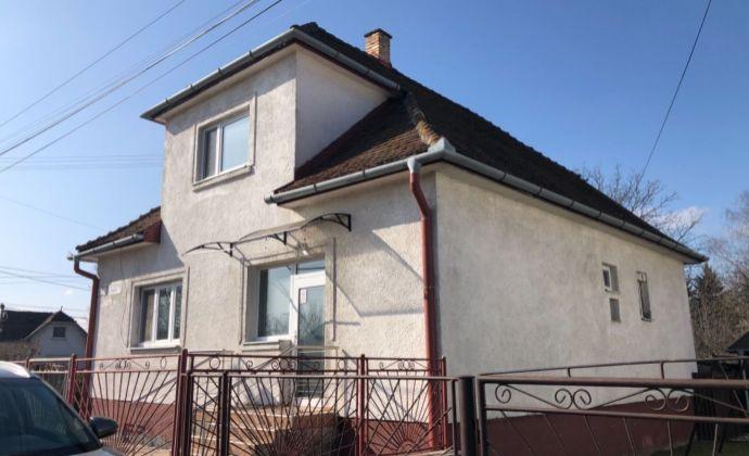 REZERVOVANÉ . Na predaj 5 izbovy rodinný dom v Novákoch