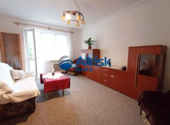 Pekný, Zrekonštruovaný a Zariadený 2 izb. byt s balkónom - Súmračná ulica, Ružinov