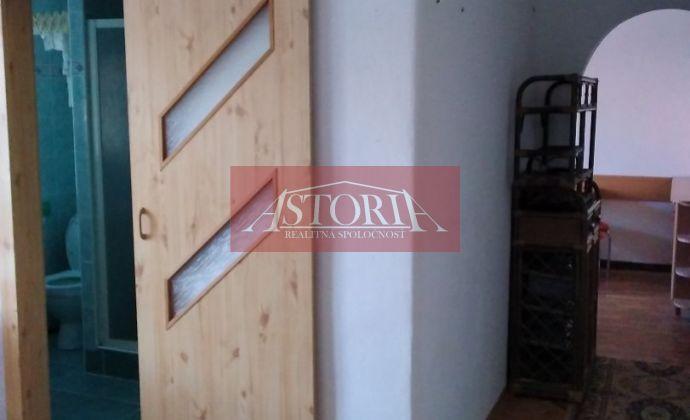 Prenájom - 2-izbový byt v centre Martina - Štúrovo námestie