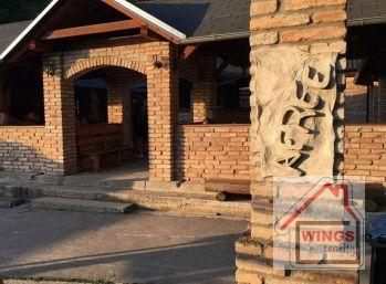Priestory na podnikanie v Seredi v mestskom parku pri kaštieli