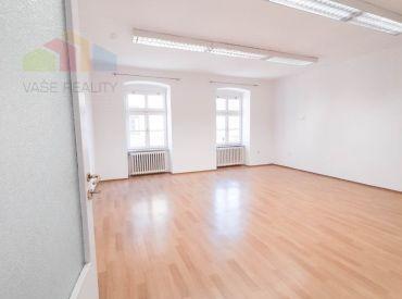 Na prenájom priestor, 55 m², Klariská ul., BA – Staré Mesto, voľný ihneď