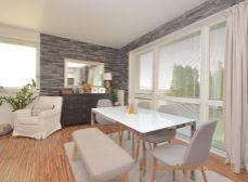 EXKLUZÍVNE - Predaj priestranný 3i byt s 38 m2 privátnou terasou v Rajke