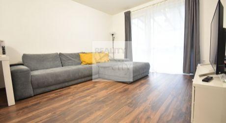 2 - izbový slnečný byt s predzáhradkou a parkovacím miestom 45 m2 - Rajka