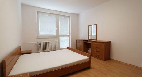 PRENAJATÝ: 3-izbový byt Poprad - Starý juh, s balkónom, po rekonštrukcii a zariadený
