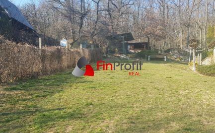 Predám stavebný pozemok pod lesom s výhľadom na mesto Nitra.
