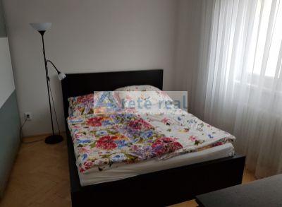 Arete real Vám ponúka na prenájom 2izbový byt v Pezinku