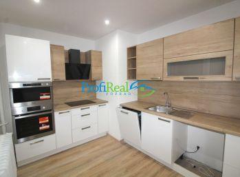 Rezervované ! Na predaj 3-izbový kompletne prerobený byt s dvoma balkónmi v Poprade