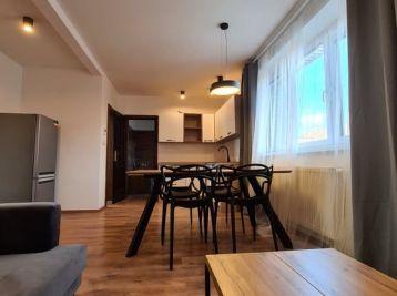 Prenajatý 3.izb novo- zrekonštruovaný a zariadený byt v Nitre v centre so záhradkou