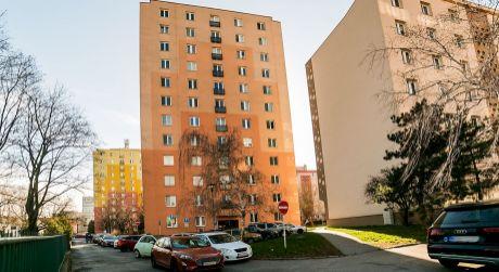 NA PRENÁJOM zariadený 3,5 izbový byt v tichej lokalite