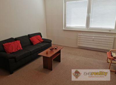 3060 Na predaj 3 izbový byt v Nových Zámkoch