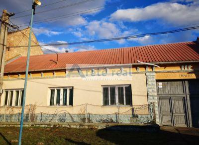 Areté real, Predaj staršieho rodinného domu s rozľahlým pozemkom v obci Zavar